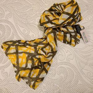 NWT Vivante by VSA scarf
